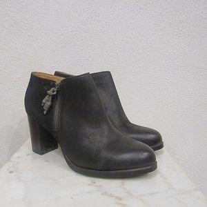 Sperry Top-Sider Dasher Block Heel Ankle Booties